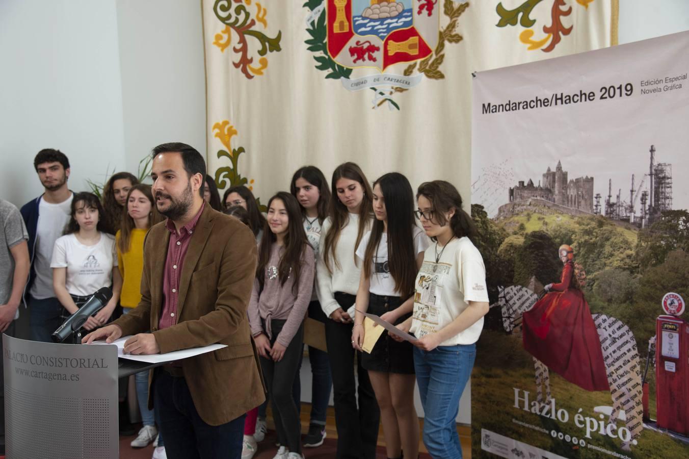 Paco Roca y Fernando Lalana ganan los premios Mandarache y Hache de literatura