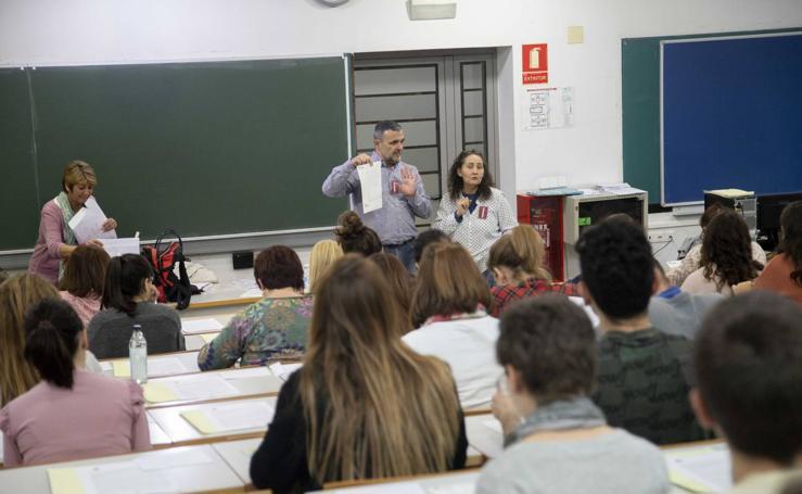 Los aspirantes a obtener 151 plazas de funcionario en Cartagena esperan el resultado del primer examen