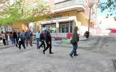 Vecinos de Cristo Rey de Lorca denuncian fallos en la remodelación del barrio
