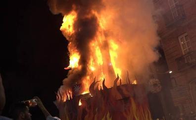 La quema de la Sardina pone punto y final a las Fiestas de Primavera