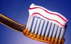 La OCU alerta del peligro de las pastas de dientes blanqueadoras
