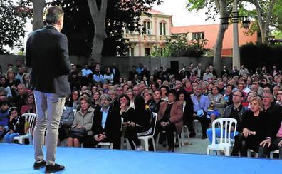 Gil presenta su candidatura en Lorca ante un millar de simpatizantes