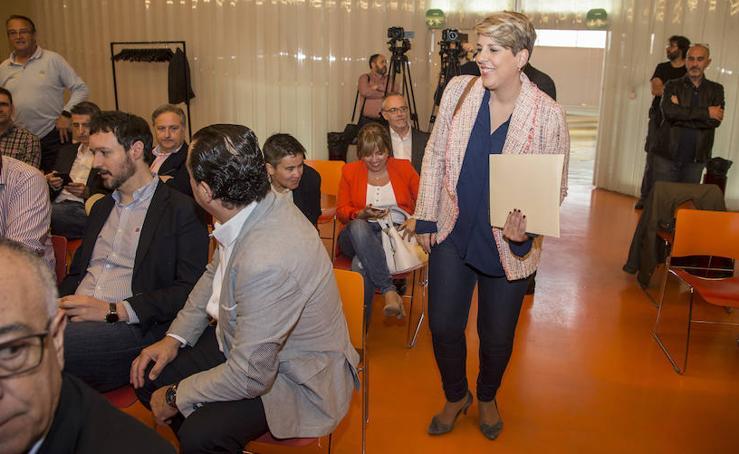 Un panel de 20 expertos proponen a Noelia Arroyo una estrategia para el futuro de Cartagena