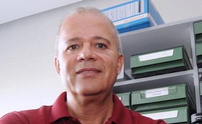 El científico murciano Federico Dicenta, premiado por los exportadores de almendra