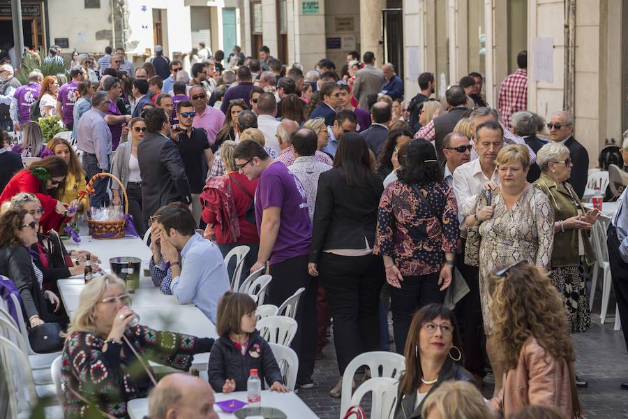 Sevillanas, gaitas y terrazas llenas