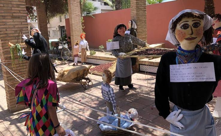 Una escena que representaba el secado de pimientos gana el concurso de Los Mayos en Alhama