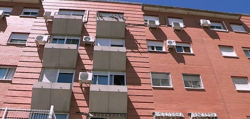 Asesinada una mujer a cuchilladas y golpes en su casa de Parla