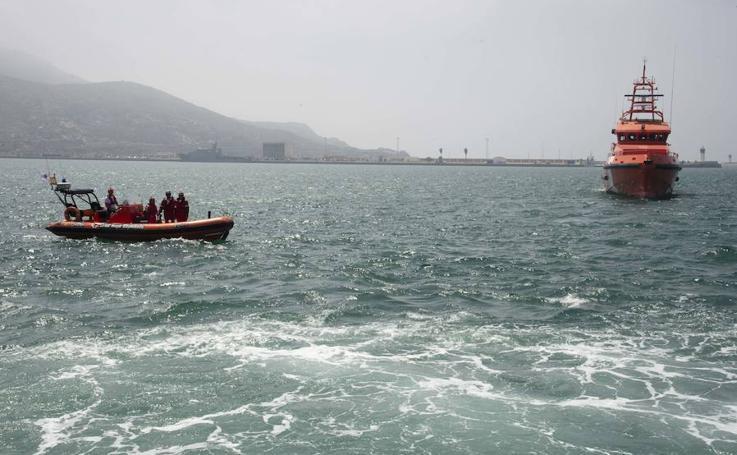 La Armada simula en Cartagena una situación de emergencia por contaminación en el agua