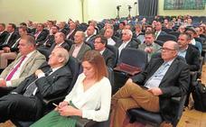 El Ministerio se muestra partidario de «repensar el futuro» del Tajo-Segura