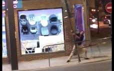 Detenido por resistencia a la autoridad al ser pillado intentando arrancar una señal de tráfico en Lorca