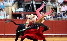 Ureña tropieza con un mal lote en su regreso a Sevilla