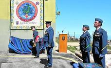 Los paracaidistas homenajean al cuartel de Sierra Espuña