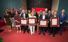 Acto de entrega de honores y distinciones por el Día de Murcia