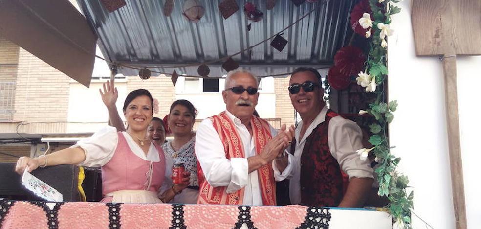 Más de 40 carrozas participaron en el desfile huertano de Mula