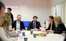 López Miras se compromete a ampliar a tres años la cuota cero para los autónomos