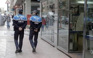 Detenido en Lorca un hombre buscado por estafa en contratos de internet y telefonía