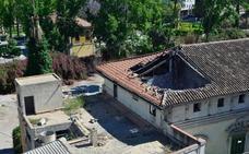 Sanearán con carácter urgente tejas y cornisas de La Pólvora en el centro de Murcia
