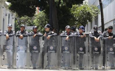 El chavismo marca de cerca el Parlamento de Guaidó y la Embajada de España