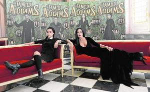 'La Familia Addams' se instala en el Romea desde el 30 de mayo