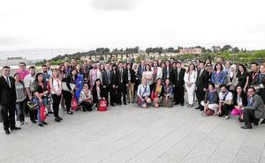 La UMU abre sus puertas a 52 trabajadores de 44 universidades de todo el mundo