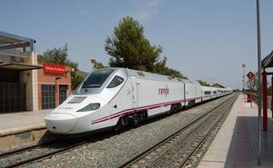 Renfe pone en marcha el segundo tren híbrido entre la Región y Madrid este lunes