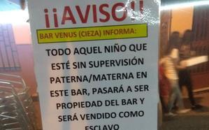 El cartel sobre los niños de un bar de Cieza que se ha hecho viral en toda España