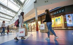 La nueva forma de comprar ropa que amenaza a Zara, Mango y otras grandes tiendas