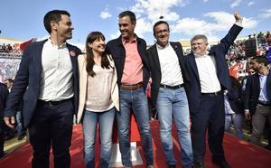 Pedro Sánchez: «Os echaré una mano con el Mar Menor»