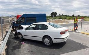 Heridas siete personas en la colisión entre un turismo y una furgoneta en Archena