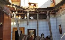 Clausuran una vivienda en La Unión tras el desplome de parte del techo