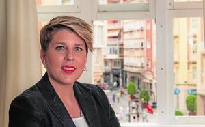 Noelia Arroyo: «Cuatro años más de parálisis municipal serían irreparables»