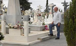 Álvarez-Castellanos: «O se toman medidas drásticas, o dentro de unos años no habrá nada en el Mar Menor»