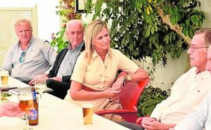 Paloma Bas escucha a los agricultores de Torre Pacheco
