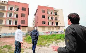 La ocupación ilegal de edificios junto a La Flota dispara el malestar de los vecinos