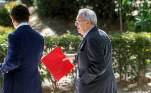 El juez prohíbe salir de España al exembajador de Zapatero en Venezuela