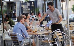El sector servicios de la Región de Murcia aumenta sus ventas por encima de la media de España