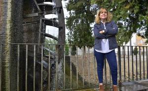 Inmaculada Ortega: «En la huerta fallece un vecino y a los cinco días ocupan la casa treinta personas»