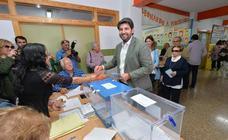 Así han votado los candidatos en todos los rincones de la Región