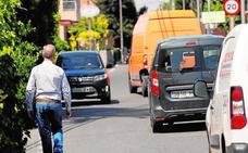 Los atascos y la inseguridad vial convierten en un polvorín la zona de la Senda de Granada