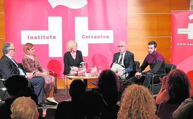 Antonio Botías narra las vidas de los españoles en Suecia