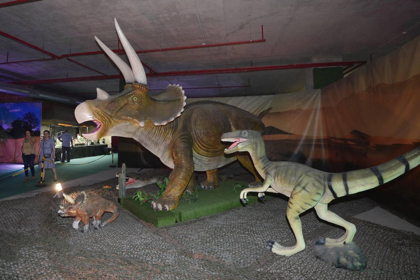 `Mundo Dinosaurio´ expone en el centro comercial Myrtea de Murcia