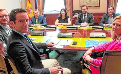 El PP explora hoy un pacto para apuntalar a Ballesta en la capital