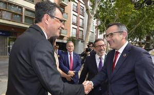 Ballesta: «El Ayuntamiento de Murcia ni se vende ni se compra»
