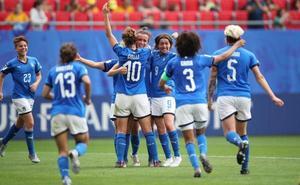 Italia se impone a Australia en el último momento