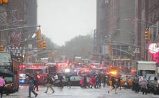 Muere el piloto de un helicóptero al estrellarse contra un rascacielos en Nueva York