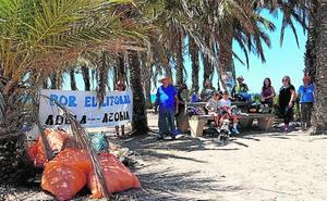 La Azohía se moviliza por un litoral limpio