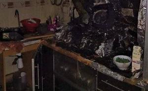 Arde la cocina de una vivienda en Alcantarilla