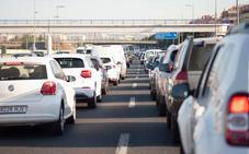 Atascos de hasta nueve kilómetros en las entradas de Murcia por la selectividad y la hora punta