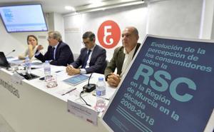 El consumidor en Murcia está cada vez más informado y sensibilizado, según la UMU
