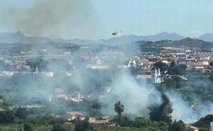 Apagan un incendio en la Finca El Puntal